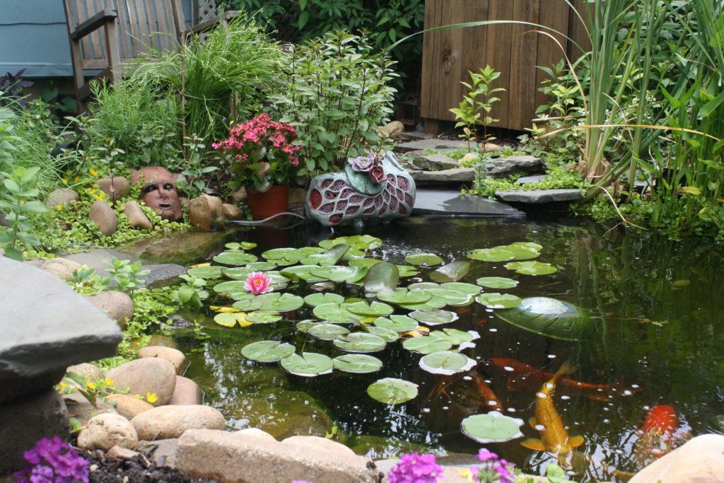 Earthsongs Gardens